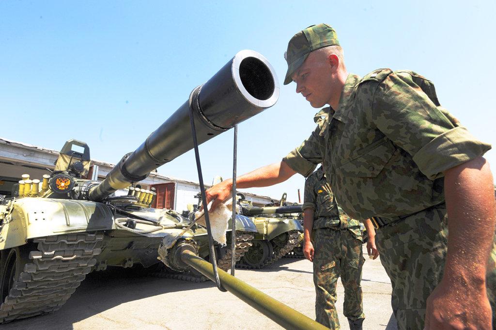 Боец 201-й российской базы в Таджикистане