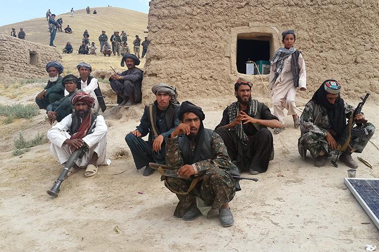 Одни бомбят, другие взрывают – сводка боевых действий в Афганистане