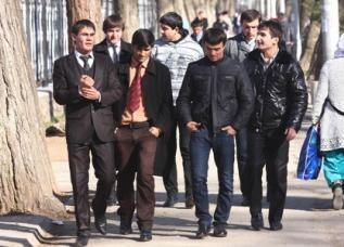 фото молодых таджикских парней