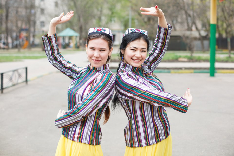 девушки живущие узбекистана москве дырочки рвуться