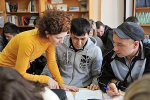 Почему иностранные мигранты успешно сдают тесты, но не говорят по-русски