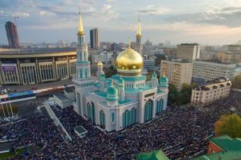 Московская соборная мечеть в жизни мигрантов из Центральной Азии
