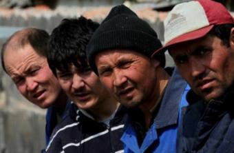 Узбекистан признал и намерен решать проблемы мигрантов