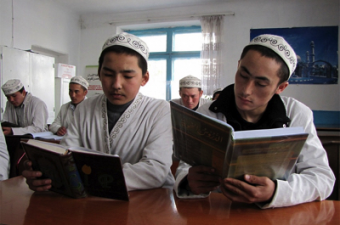 Кыргызстан перейдет на латиницу вслед за Казахстаном?