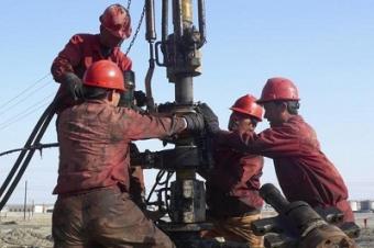 Наибольшее падение зарплат в Казахстане зафиксировано в нефтяных регионах