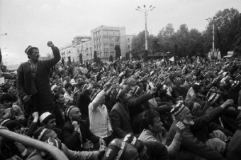 Аскар Акаев: «Радикалы с мечтой о создании халифата не расстались»
