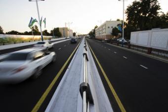 Беспредел на дороге: Узбекистан попросил дипломатов «влиятельных государств» покинуть страну