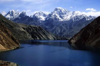 Таджикистан готовится к прорыву дамбы самого опасного озера в Средней Азии
