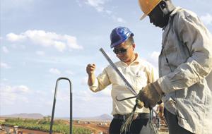 Китай ищет нефть в Африке, раздавая взятки