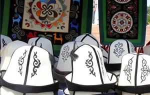 Премьер Киргизии одобрил признание ак калпака культурным символом нации