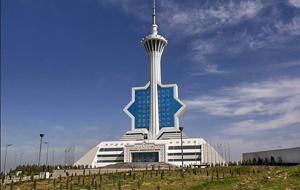 Президент Туркмении уволил зампреда комитета по телерадиовещанию за слабое восхваление страны
