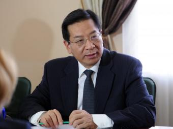 Китайский посол в резкой форме напомнил Кыргызстану о необходимости платить по долгам