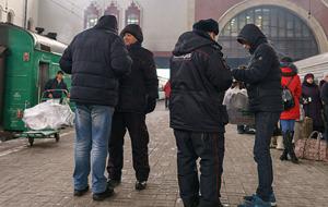 Таджики и узбеки рассказали властям Москвы о реальных проблемах мигрантов