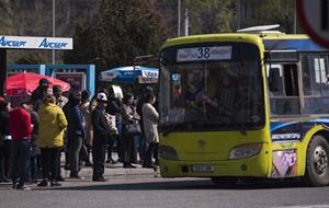 Забастовка водителей маршруток вызвала транспортный коллапс в столице Киргизии