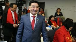 С серпом наперевес: почему коммунисты Казахстана «стесняются» своих идеалов?
