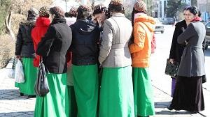 В Туркменистане проверяют «невинность» учениц и наличие порнографии на телефонах у школьников