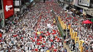 «Торговая война США и КНР в городе Гонконг»
