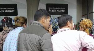 Туркменистанцы лишаются банковских карт при попытке снять деньги в Турции