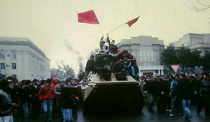 После двух революций в КР стало чуть больше гражданского самосознания