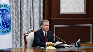 Мирзиёев потребовал от уволенных чиновников вернуть зарплату